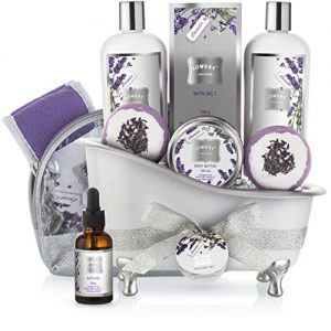 Bath Gift Basket Set for Women: Relaxing at Home Spa Kit Scented with Lavender and Jasmine – Includes Large Bath Bombs, Salts, Shower Gel, Body Butter Lotion, Bath Oil, Bubble Bath, Loofah and More